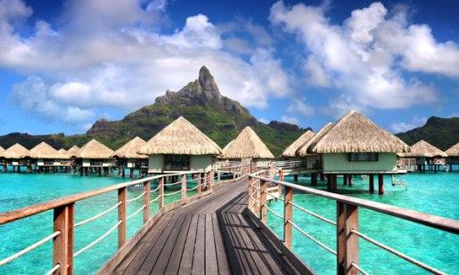 https://www.tahiti.com/images1/thumbs/Borabora-LeMeridien_600x360.jpg