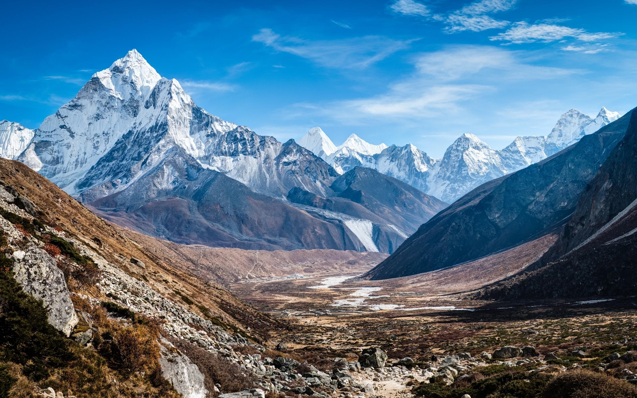 https://blog.travefy.com/wp-content/uploads/2015/07/nepal-mountains.jpg